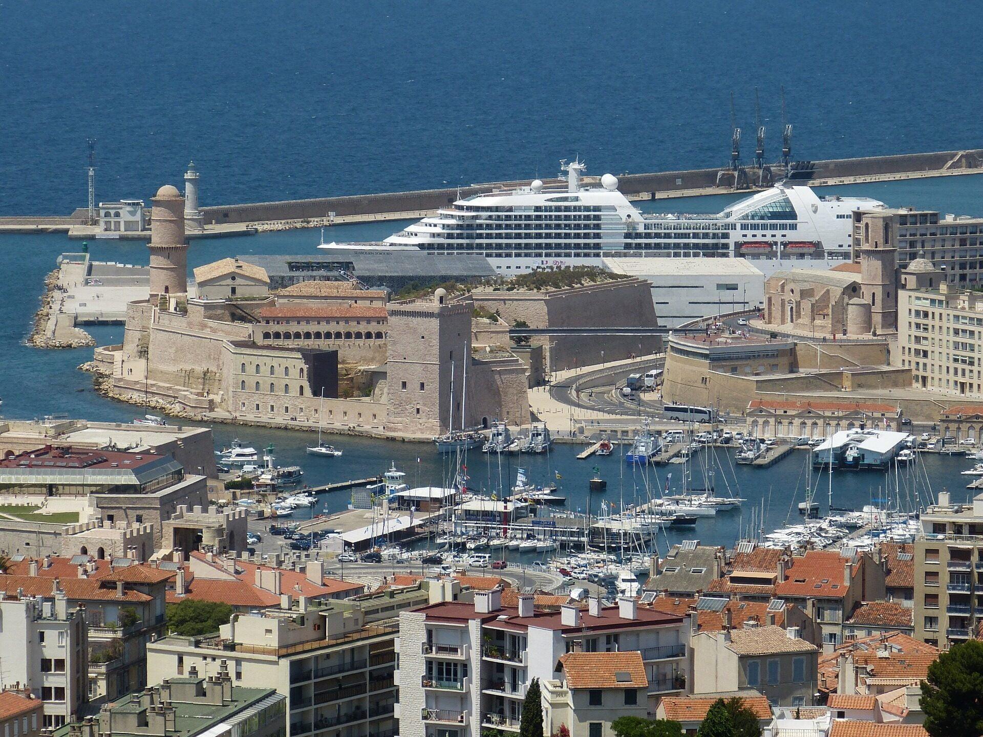 port-marseille-cityvol-voyages- ferry-bateau-traversee-billet pas cher