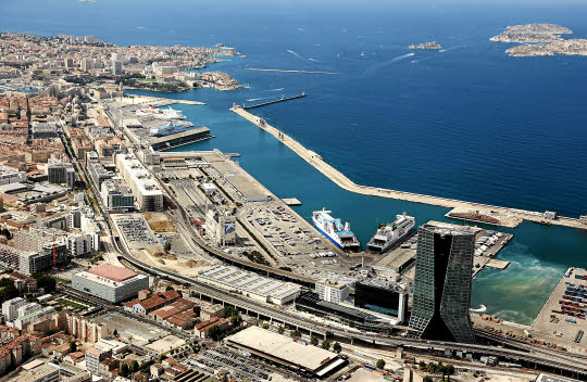 Le grand port maritime de marseille le plus grand port - Port de marseille pour aller en algerie ...